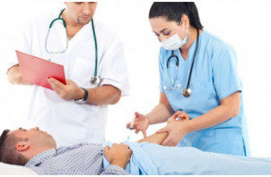 Auxiliar de enfermagem no hospital