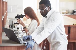 Auxiliar de laboratório e o mercado de trabalho na atualidade