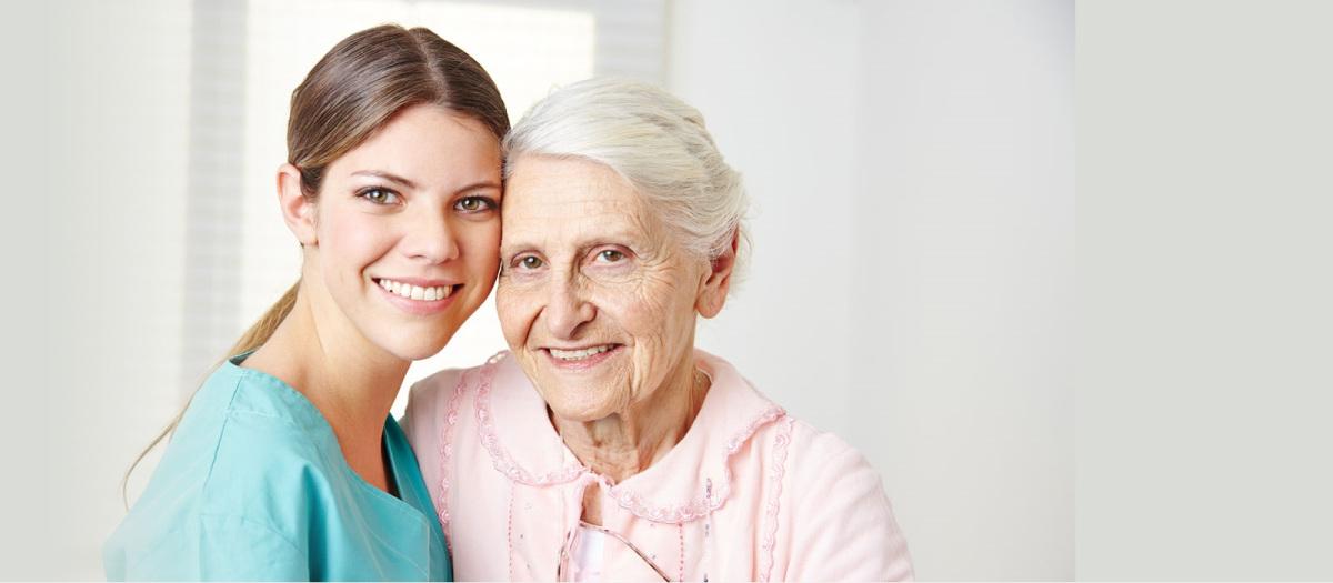 Cuidador de idosos: o que você precisa saber sobre a profissão