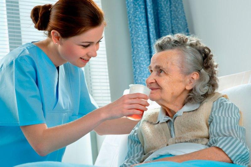 Cuidador de idosos tudo que você precisa saber sobre a profissão