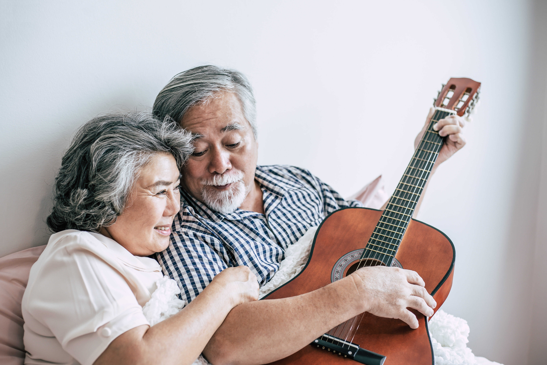 Benefícios da música para os idosos