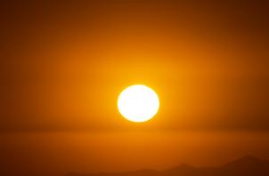 Cuidados que os idosos devem ter com o sol no verão
