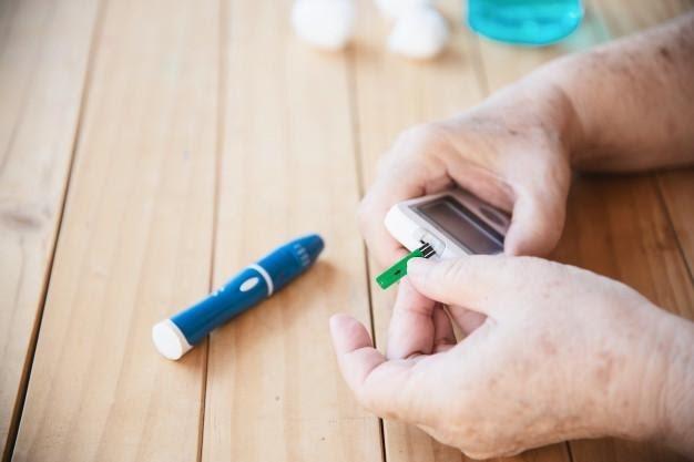 Pacientes diabéticos necessitam de atenção especial